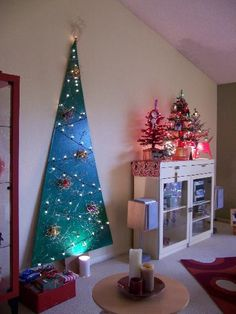 Non traditional Christmas Tree Decorating Ideas | Sunday, December 11, 2011