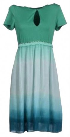 Green Pleated Lined Keyhole Above Knee Cocktail Dress Size 6 (S) Sheath Wedding Gown, Sheath Dress, Wedding Gowns, Blue Bridesmaid Dresses, Green Tops, Green Dress, Pleated Skirt, Looks Great, Summer Dresses