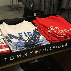 This Oversize Tommy Hilfiger Branded T-Shirt Tray makes sure you know that these are not just any, old Tees. The Tommy Hilfiger names kicks appeal up. Tommy Hilfiger Brand, Visual Merchandising, Branded T Shirts, Tray, Retail, Shops, Retail Merchandising, Board