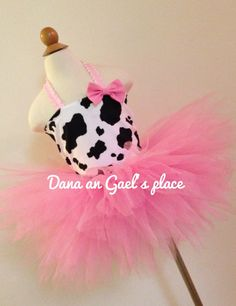 Tutu and boots party Cowgirl Tutu, Cowgirl Party, Cow Birthday, 1st Birthday Parties, Baptism Party Decorations, Pumpkin Patch Party, Baby Dress Clothes, Farm Animal Party, Pink Cow