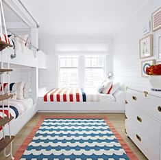 15 Cool Kids Room Decor Ideas to Create the Mood. Talking about the cool kids, what are the themes cross your mind? Check out these 15 cool kids room decor ideas to replace the boring concept. Beach Cottage Style, Beach House Decor, Beach Houses, Beach Cottages, Bunk Rooms, Bunk Beds, Cool Kids Rooms, Bunk Bed Designs, Beach Bungalows