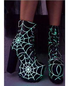 Current Mood Terror Glow Boots have ya walkin' into spiderwebs. These perfectly creepy boots are nothing to be scared of with their smooth vegan leather construction that's covered with epic glow in the dark webs. Featurin' covered platforms with textured Dream Shoes, Crazy Shoes, Me Too Shoes, Heeled Boots, Shoe Boots, Boot Heels, Rock Boots, Kawaii Shoes, Punk Shoes
