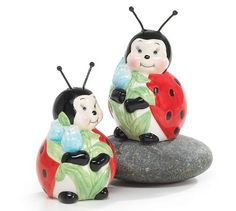 Adorable Ladybug Salt And Pepper Shakers For Kitchen Decor Great Gift Item Burton & Burton http://www.amazon.com/dp/B000CDLANG/ref=cm_sw_r_pi_dp_T90Vtb141RG1ZJBY