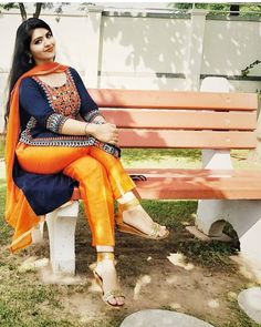 New Stylish Kurti Kurta and Salwar Kameez Design Indian Dresses, Indian Outfits, Punjabi Girls, Indian Girls Images, Beauty Full Girl, Indian Beauty Saree, Beautiful Outfits, Beautiful Women, Indian Fashion