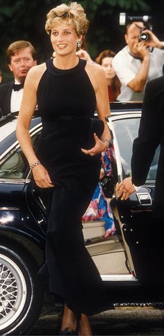 Prinsessa Dianan klassinen tyyli toimisi yhä - katso kuvat tyyli-ikonista! | Muoti | Iltalehti.fi