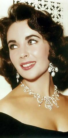 We're not sure if we could be more jealous of Elizabeth Taylor and her fabulous jewels.