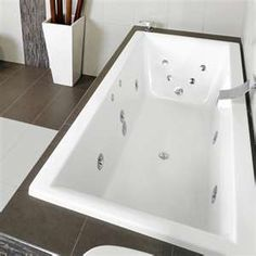 Decina Martino Contour Rectangle Spa Bath