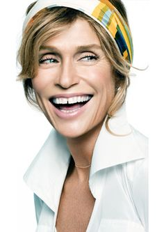 Lauren Hutton: a unique and intellectual woman of natural and memorable beauty.
