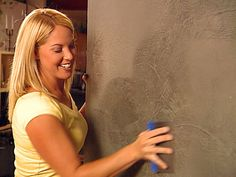 Venetian Plaster Wall Finish Idea - great tutorial! This is a great finish to use on walls that are in less than perfect shape.
