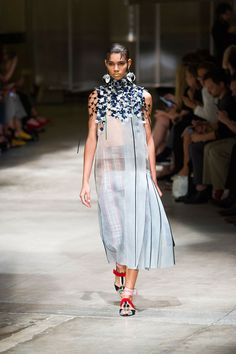 b59a11c7c 10 Best prada images | Editorial fashion, Fashion beauty, Couture