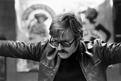 Rare and classic photographs from a 1969 LIFE magazine article on Robert Redford, a Hollywood legend and genuine American maverick. Robert Redford, Epic Photos, Rare Photos, Lola Van Wagenen, Barefoot In The Park, Sundance Kid, Most Stylish Men, Celebrity Photography, Sundance Film Festival