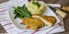 Rezne v zemiakovom cestíčku, šťuchané zemiaky s pórikom a fazuľky - Tinkine recepty Meat Recipes, Mashed Potatoes, Chicken, Ethnic Recipes, Food, Beef Recipes, Steak Recipes, Meal, Essen