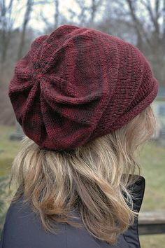 love this cap...knit slouch hat, free pattern More