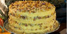 Lane cake from box mix Unique Desserts, Holiday Desserts, Holiday Baking, Delicious Desserts, Dessert Recipes, Yummy Food, Lane Cake, Cupcake Cakes, Cupcakes