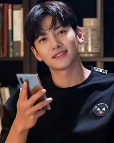 Ji Chang Wook Smile, Ji Chang Wook Healer, Ji Chan Wook, Cute Celebrities, Korean Celebrities, Asian Actors, Korean Actors, Ji Chang Wook Photoshoot, Park Hae Jin