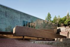 Image 7 of 21 from gallery of Visitor Center of the Roman Theatre of Malaga / Tejedor Linares & asociados. Photograph by Fernando Alda Creative Architecture, Architecture Art, Roman Theatre, Spanish Culture, Urban Life, Moorish, Logs, Modern Design, Gallery