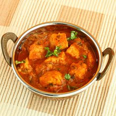 paneer curry -- one of my fav meals with buttered naan