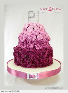 Liliowy tort weselny, fioletowy tort weselny, róże, tort z różami, wesele, tort weselny
