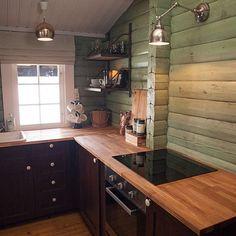 ..og her er kjøkkenet fra hytta på Finnskogen! Farge: Duskyfontaine fra…