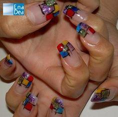 Un omaggio al colore  e all'astrattismo... http://www.decorazioneunghie.com/photo/gallery/w-i-colori
