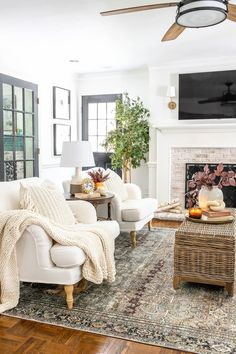 8 favorite fall decor items for creating a capsule wardrobe in your home that will stretch your dollar and create endless decor combinations.