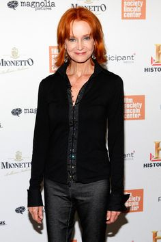 "Swoosie Kurtz Photos - Actress Swoosie Kurtz attends the premiere of ""Page One: Inside The New York Times"" at the Elinor Bunin Munroe Film Center on June 2011 in New York City. - ""Page One: Inside The New York Times"" - New York Premiere Swoosie Kurtz, New York Times News, Lincoln, Magnolia, Actors & Actresses, It Cast, Leather Jacket, Celebs, People"