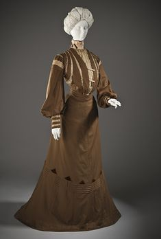 Day dress, ca 1900 France, LACMA