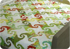 Parasols quilt top (aka Snails Trails) by twinfibers, via Flickr