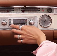 Find images and videos about photography, vintage and aesthetic on We Heart It - the app to get lost in what you love. Music Aesthetic, Aesthetic Vintage, Aesthetic Photo, Aesthetic Pictures, Aesthetic Design, Purple Aesthetic, Photo Wall Collage, Picture Wall, Vintage Vibes
