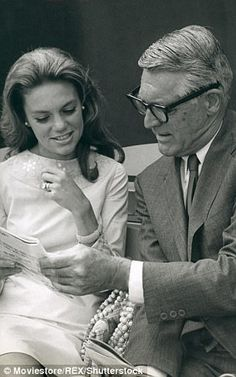 Cary Grant and his fourth wife Dyan Cannon, 33 years younger Hollywood Couples, Celebrity Couples, Hollywood Stars, Hollywood Actresses, Classic Hollywood, Old Hollywood, Actors & Actresses, Cary Grant Wives, Dyan Cannon