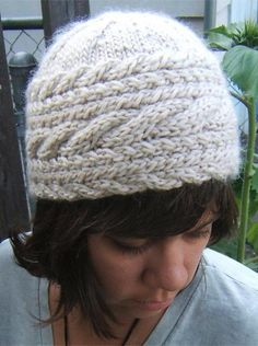 Horizontal Cable Hat | Craftsy