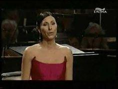 Erika Miklosa Hungarian folk song Zoltán Kodály Esti dal - YouTube