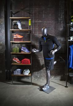 An athletic mannequin in New Balance, Boston. Photo: Conor Doherty, Boston. See vmsd.com for the full story!