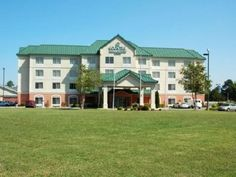 Goldsboro (NC) Country Inn & Suites By Carlson Goldsboro NC United States, North America The 2.5-star Country Inn & Suites By Carlson Goldsboro NC offers comfort and convenience whether you're on business or holiday in Goldsboro (NC). The hotel offers guests a range of services and amenities designed to provide comfort and convenience. 24-hour front desk, express check-in/check-out, Wi-Fi in public areas, car park, newspapers are there for guest's enjoyment. Television LCD/pla...
