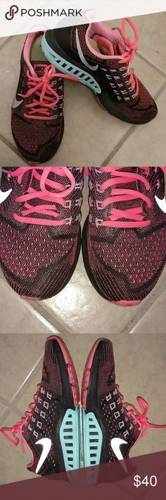 NIKE ZOOM TENNIS SHOES Design as Shown Zoom Style Light Weight Nike Shoes Athletic Shoes