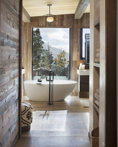 Complete with Wide Plank Bavarian Oak wood floors and sunburned reclaimed wood, this award-winning Estes Park home truly brings the outdoors inside. Modern Mountain Home, Mountain Living, Mountain Homes, Colorado Homes, Luxury Interior, Interior Design, Building A House, New Homes, Warm