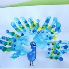 handprint peacock craft (1)