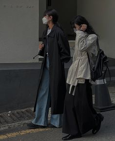 Korean Outfits, Retro Outfits, Cute Casual Outfits, Aesthetic Fashion, Aesthetic Clothes, Converse Bleu, Jean Large, Korean Street Fashion, Vogue