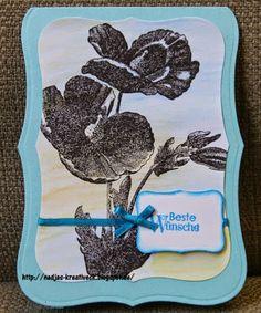 Blütenstempel mit Aquarellhintergrund