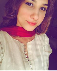 """31.7k Likes, 499 Comments - Hina Altaf Khan (@hinaaltaf) on Instagram: """"Sham ka wakt... along with Selfie with a pout  #happysundayeveryone  KNK day tomorrow and on…"""""""