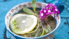 sopa de lentilha rosa com limão siciliano E sopa de beterraba com batata doce