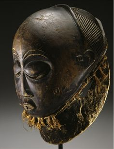 Africa | Mask from the Luba people of DR Congo | 19th century | Wood and natural fiber.