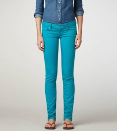 I have a serious addiction to turquoise lately. I NEED these skinny jeans!