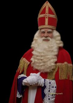 Sinterklaas - A dutch tradition on the of december Evil Children, St Nicholas Day, Nancy France, Father Christmas, Xmas, Winter Light, The Old Days, Hair And Beard Styles, Photo Illustration
