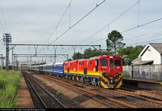 Net Photo: Transnet Freight Rail Class at Viljoensdrif, Free State province, South Africa by Eugene Armer South African Railways, Railroad Photography, Free State, Train Journey, Locomotive, Diesel, Transportation, Cable, War