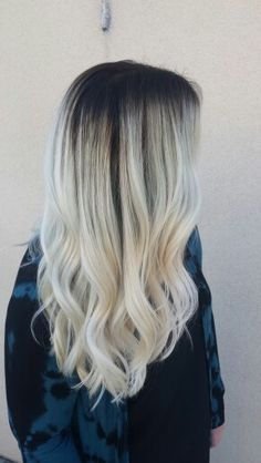 Dark roots to blonde tones bayalage long hair Dark roots to blonde tones bayalage long hair Blonde Ends, Dark Roots Blonde Hair, Bleach Blonde Hair, Dark Hair, Bleached Hair, Hair Inspiration, Hair Inspo, Love Hair, Colors