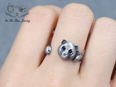 Panda adjustable Ring! ------------------------------------------------- US Size : 5 - 7 Color: Silver Quantity: 1 pc ------------------------------------------------- Your jewelry will arrive in a gift box.  Handling time:  Please allow 1-3 business days for us to process your order.  ...