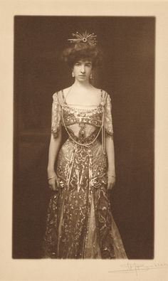 Gertrude Vanderbilt Whitney (ca. 1890) Consuelo Vanderbilt's first cousin, the daughter of Mr. & Mrs. Cornelius Vanderbilt II..