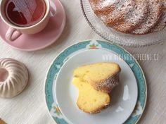 VÍKENDOVÉ PEČENÍ: Bábovka s mascarpone Sponge Cake, Pound Cake, Sweet Life, No Bake Desserts, Mini Cupcakes, Tea Time, French Toast, Mango, Food And Drink