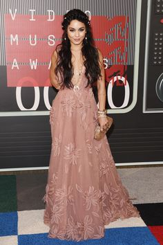 Vanessa Hudgens -  The Best Looks from the 2015 MTV VMAs  - HarpersBAZAAR.com